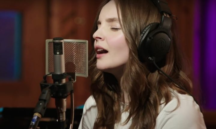 See Chvrches Perform Intimate Cover of Beyonce's 'XO'