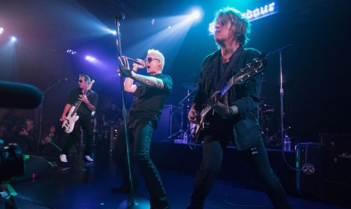 Watch Johnny Depp Perform With Stone Temple Pilots at Tour Opener