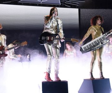 See Arcade Fire Deliver 'Everything Now' Songs in 'SNL' Return