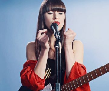 Watch Kimbra Perform Intimate Rendition of 'Human' for 'Rolling Stone'