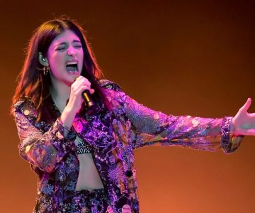 Watch Lorde Cover Kanye West's 'Love Lockdown' Onstage in Chicago