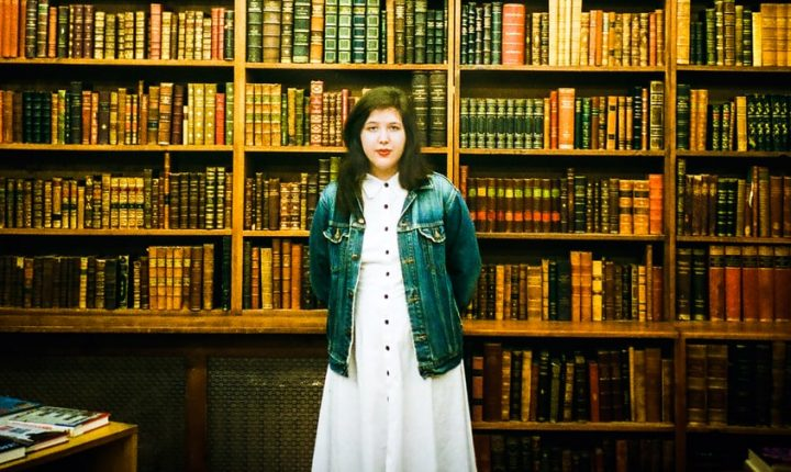Review: Lucy Dacus Turns Interior Drama Into Indie-Rock Gold on 'Historian'