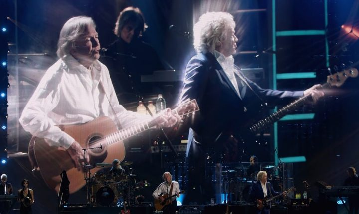 Moody Blues Play 'Nights in White Satin,' 'I'm Just a Singer' at Rock and Roll Hall of Fame