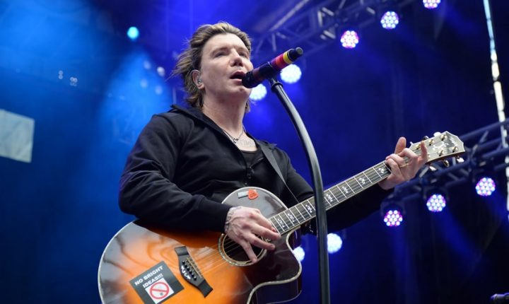 Goo Goo Dolls Revisit 'Dizzy Up The Girl' on 20th Anniversary Tour