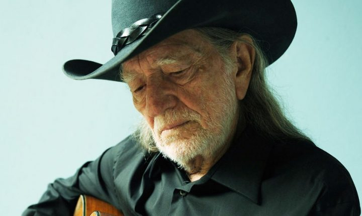 Review: Willie Nelson's 'Last Man Standing' Warmly Satirizes the Slow March of Time