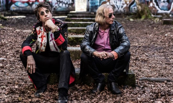 Peter Buck, Joseph Arthur Release First Song Together, 'I Am the Moment'