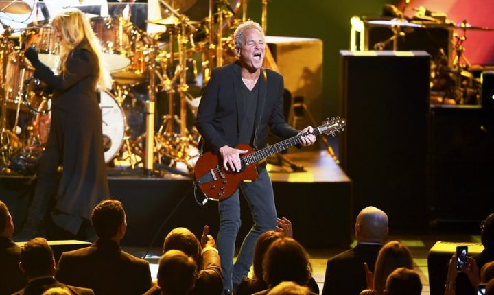 Fleetwood Mac Fires Lindsey Buckingham