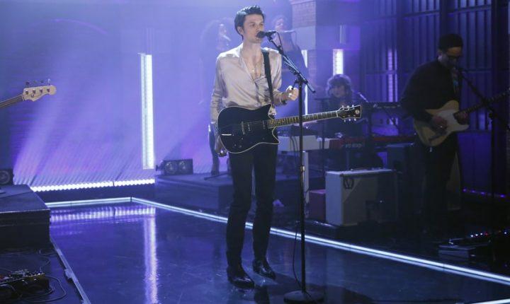 James Bay Brings New Dance-Rock Song 'Pink Lemonade' to 'Seth Meyers'