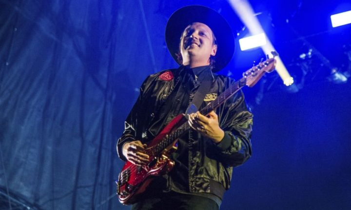 Watch Arcade Fire Cover Cranberries' 'Linger' in Dublin