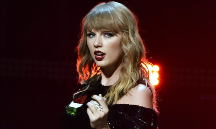 Hear Taylor Swift's Acoustic Cover of Earth, Wind & Fire's 'September'