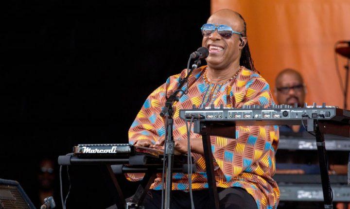 Stevie Wonder Plots Brief Summer Tour