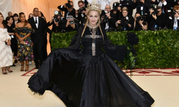See Madonna's Surprise Performance of 'Like a Prayer,' 'Hallelujah' at Met Gala