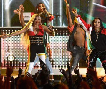 BBMAs: Watch Salt-N-Pepa Reunite With En Vogue for 'Whatta Man'