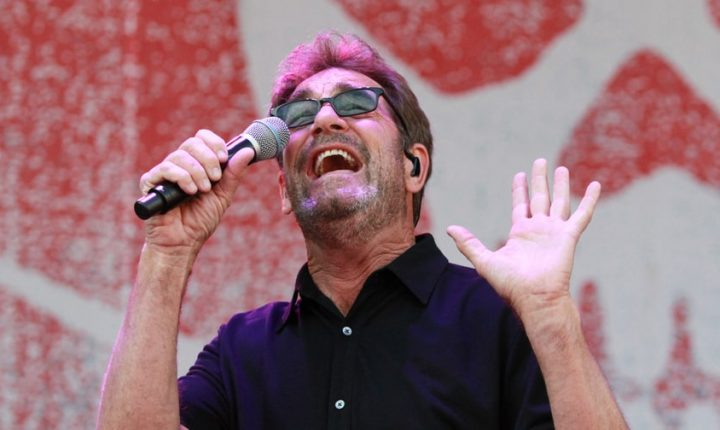 Huey Lewis Talks Meniere's Disease: 'It Can Get Better. It Just Hasn't Yet'