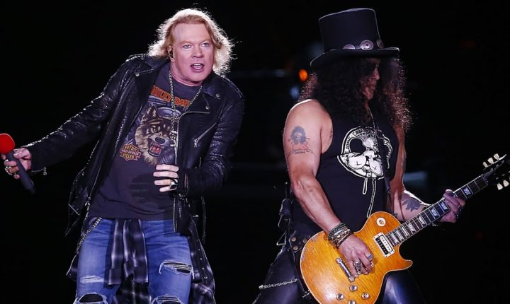 Watch Guns N' Roses Perform Raucous 'Shadow of Your Love'