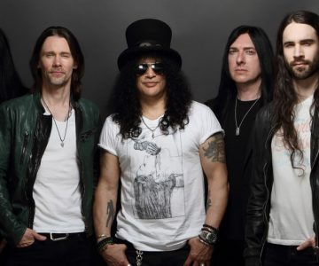 Slash Sets Tour, New LP 'Living the Dream' With Myles Kennedy