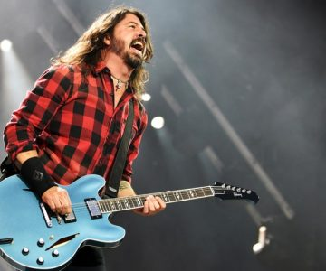 Dave Grohl Producing TV Show Based on Mother's Rock Moms Book