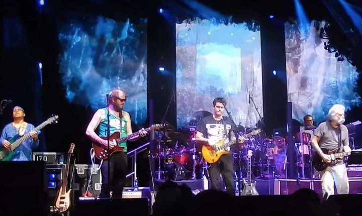 Watch Bon Iver's Justin Vernon Join Dead & Company in Wisconsin