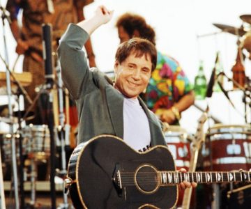 Flashback: Paul Simon Plays 'The Boxer' at His 1991 Central Park Show