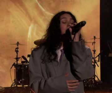 See Alessia Cara Debut New Song 'Growing Pains' on 'Fallon'