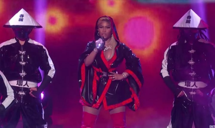 Nicki Minaj Performs Intense 'Chun Li,' 'Rich Sex' at BET Awards