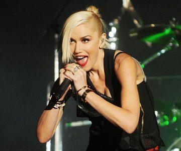 Gwen Stefani Covers Rihanna at First Night of Las Vegas Residency