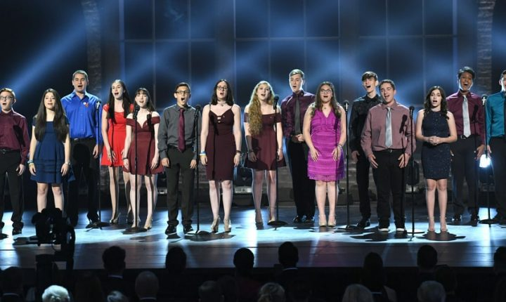See Marjory Stoneman Douglas Students Sing 'Rent' Classic at 2018 Tony Awards