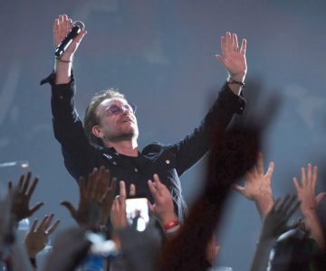 U2 Recapture Their Club Roots at Intimate Apollo Theater Show